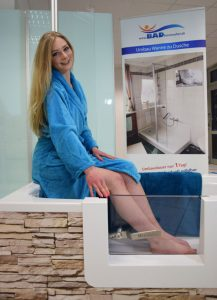 Schaubild Badewannentür Modell Florenz mit Model